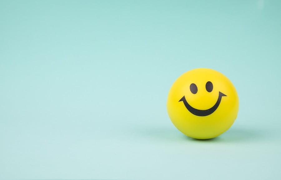 لبخند بزنید تا جذاب به نظر برسید