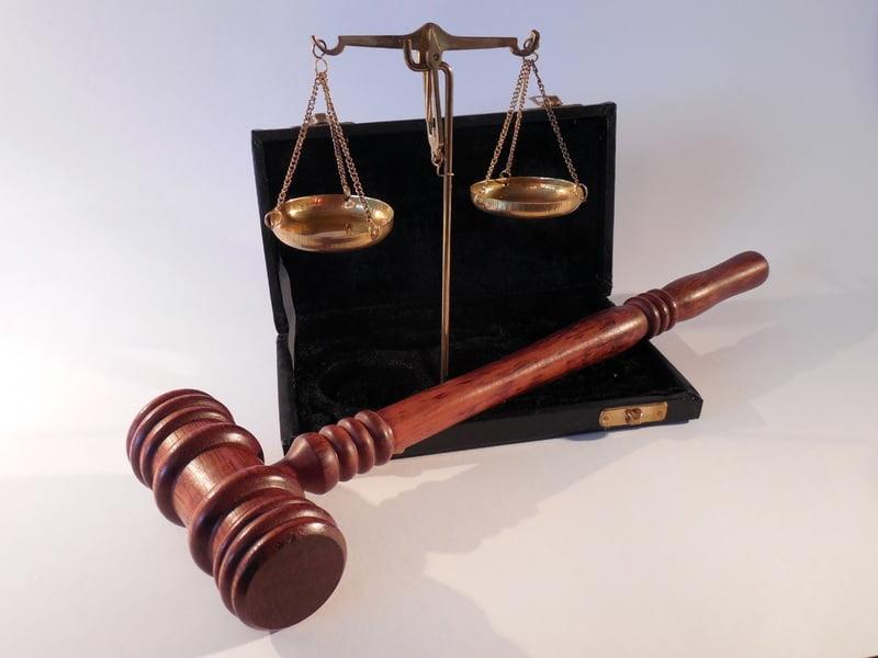تغییر باور نامعقول با قضاوت نکردن
